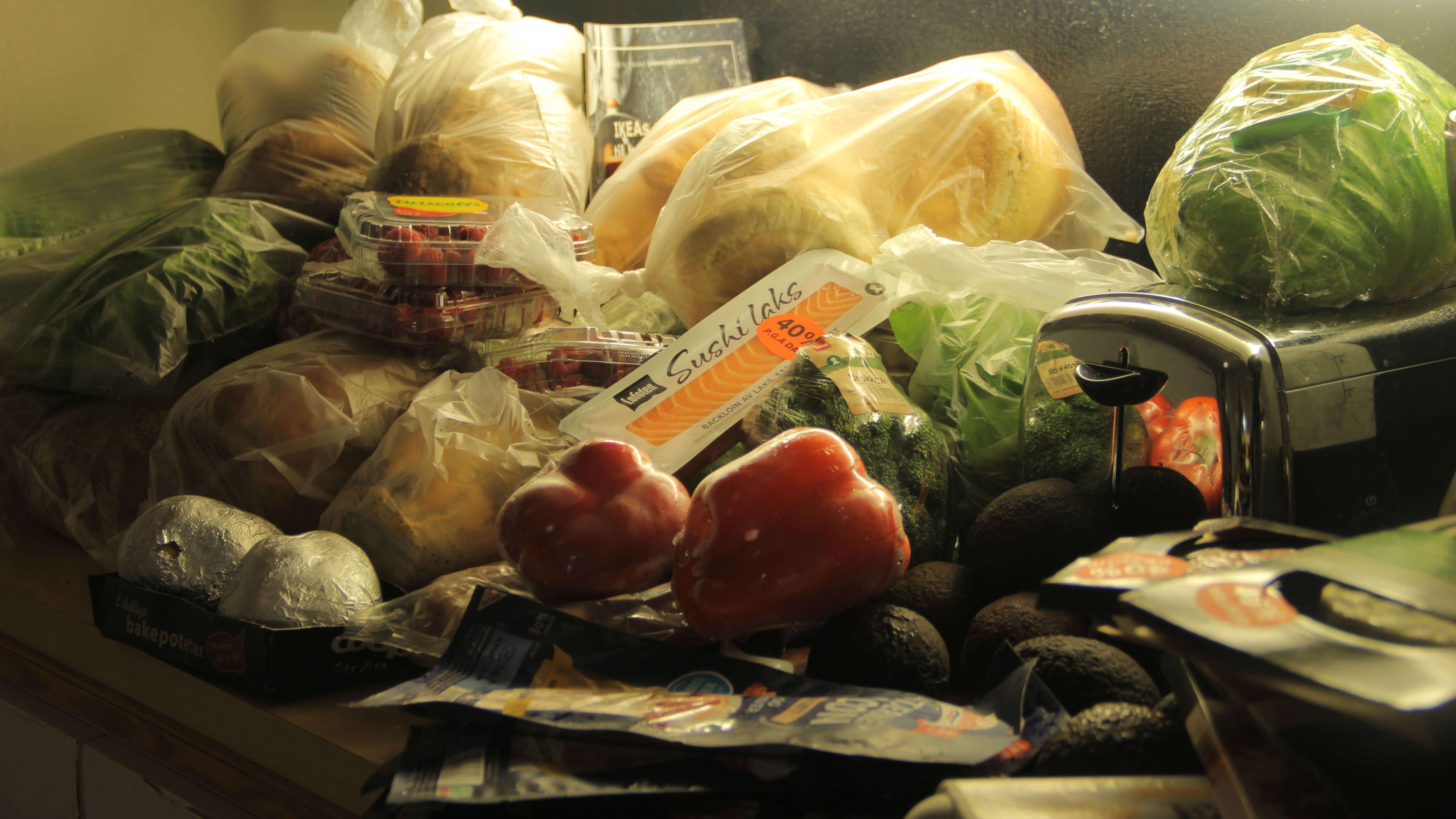 Dumpster diving: Ulovlig, men økonomisk og miljøvennlig